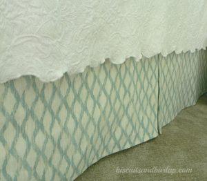 DIY Bed skirt