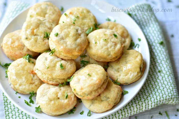 Mini Biscuits with Cheese and Herbs