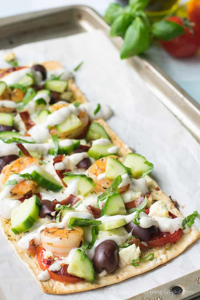 Greek Style Flatbread Pizza from BiscuitsandBurlap.com