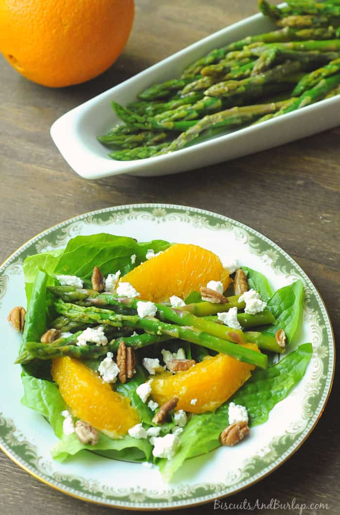 Salad with Oranges, asparagus, and goat cheese