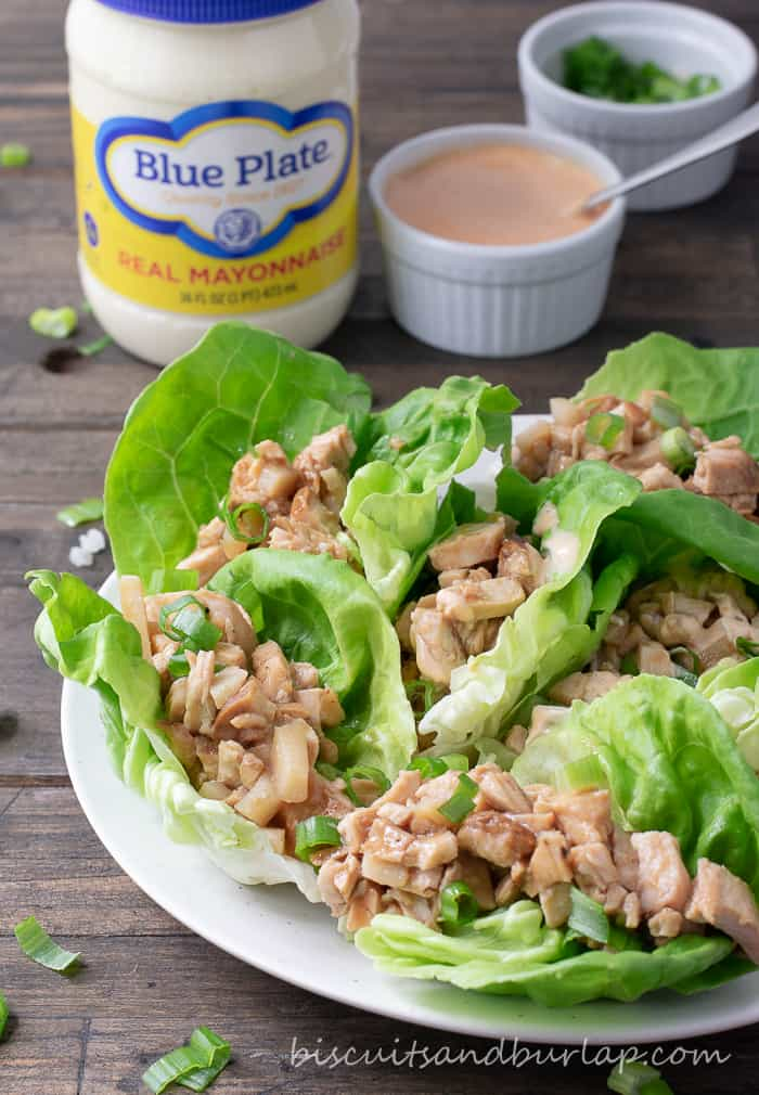 Lettuce Wraps with Grilled Chicken have a spicy sauce