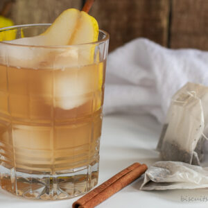 Spiced Pear Bourbon Iced Tea- A Fall Cocktail